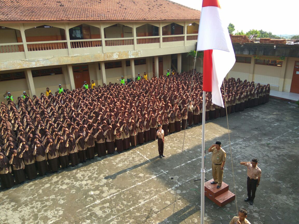 Upacara Peringatan Hari Pahlawan